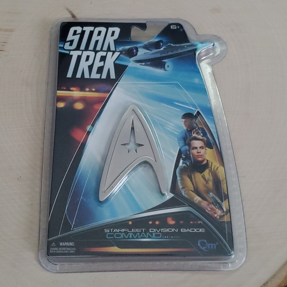 Star Trek Star Fleet Division Badge Pin 2013 NEW